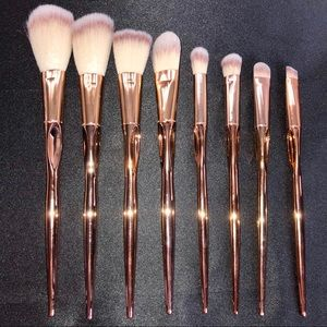 Other - • Brand new beautiful make up brushes ✨ •